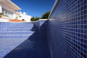 swimming pool building and tiling