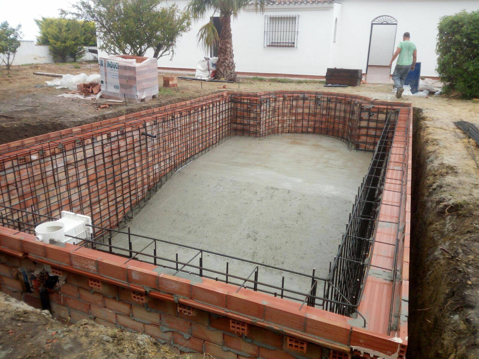 Swimming pool construction and renovation, Costa del Sol ...