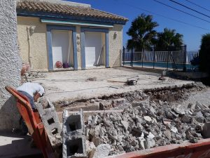 Building a wall, Estepona