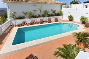 Swimming pool re tiling, Mijas