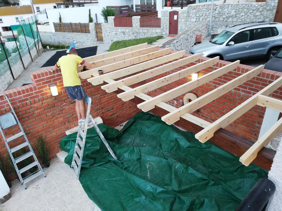Building wooden structures
